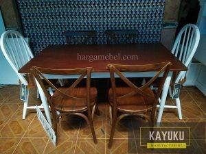 Meja Makan Yogyakarta